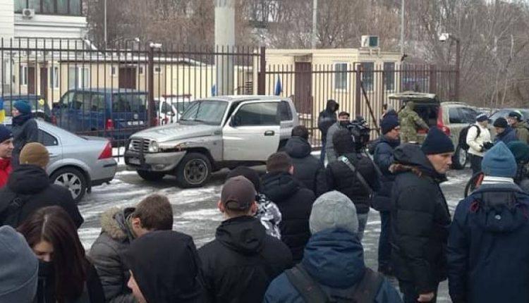 """Михаил Подоляк: """"Сладкие социальные лифты"""""""