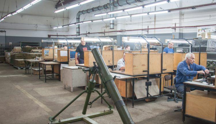 Военная прокуратура занялась киевским оборонным заводом из-за миллионных убытков