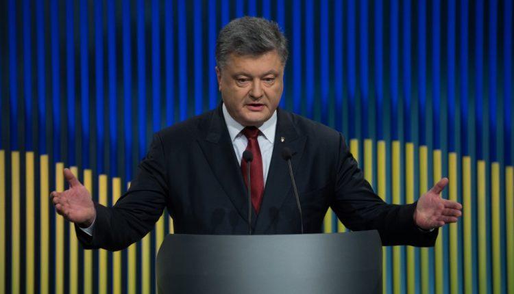 Экзит-полы показывают поражение Порошенко во втором туре