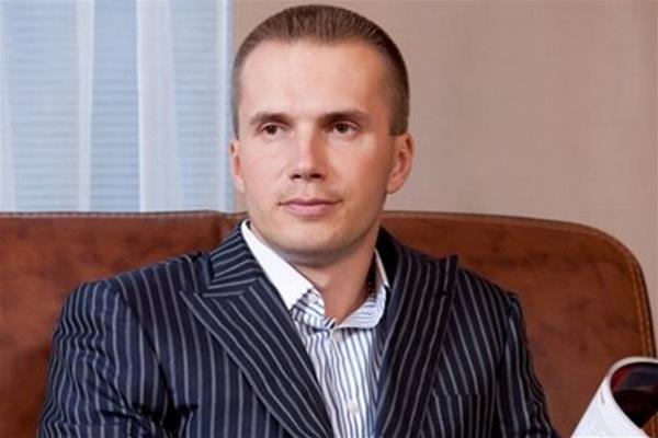 Шеченковский райсуд отказался снять арест со счетов в банке Януковича