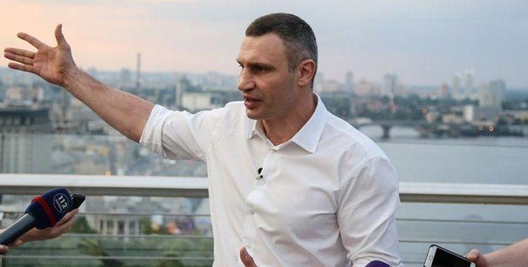 """Михаил Подоляк: """"Хрустальный мост Кличко"""""""