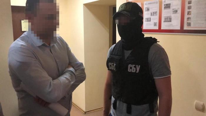 СБУ задержала за взяточничество зампреда горсовета в Киевской области