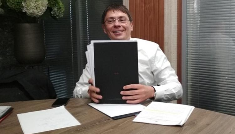Дмитрий Крючков пристраивается к Виталию Кропачеву