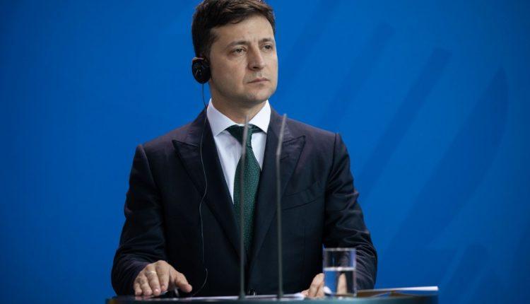 Зеленский рассказал, о чем договорился с тремя олигархами