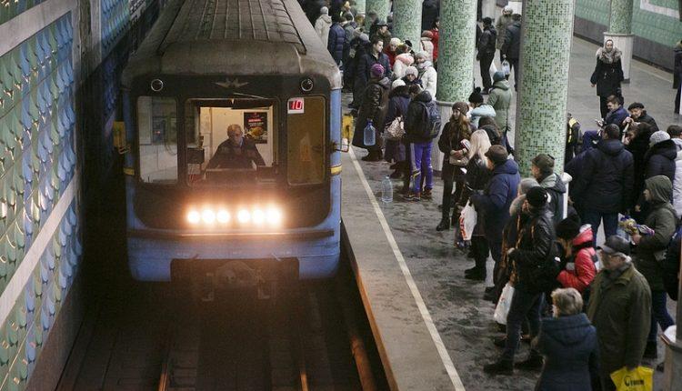 Харьковский метрополитен отменил тендер на ремонт вагонов за 630 млн