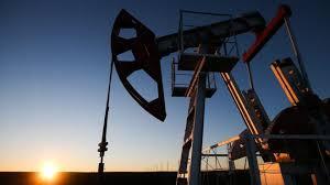 Цены на нефть падают из-за паники на финансовых рынках