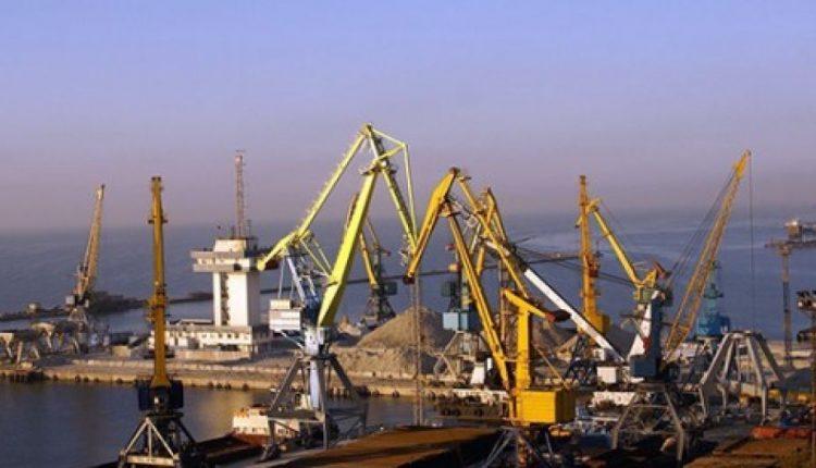 """""""Укрзализныця"""" даст скидку 20% на перевозку металла в порты Азовского моря"""