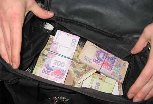 В Киеве у мужчины со стрельбой похитили сумку с 1,2 млн