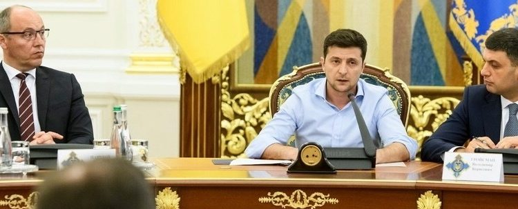 """Михаил Подоляк: """"Первые 100 дней """"новых и неожиданных"""" практически закончились"""""""