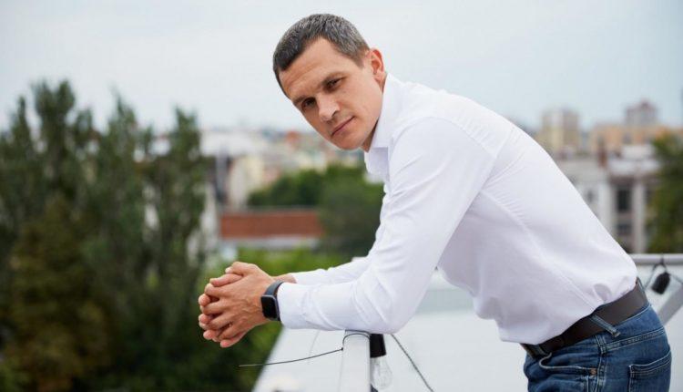 Нардеп Алексей Кучер задекларировал 77 биткоинов и $87 тысяч наличными