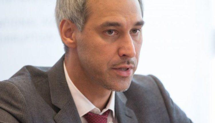 Генпрокурор Руслан Рябошапка заработал в сентябре более 130 тысяч