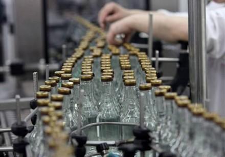Зеленский предлагает отменить госмонополию на производство спирта