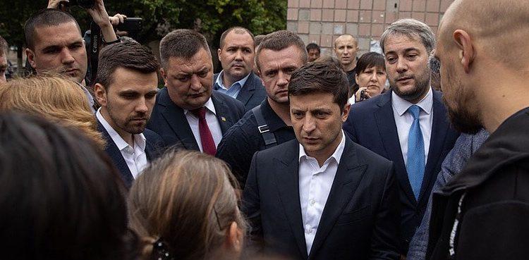 """Михаил Подоляк: """"Ни у кого нет ощущения, что в стране есть реальная власть"""""""