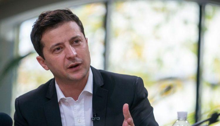 """Зеленский рассказал, чьи интересы будет защищать в вопросе """"Приватбанка"""""""