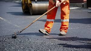 На Киевщине чиновников подозревают в растрате 6 млн при ремонте дорог
