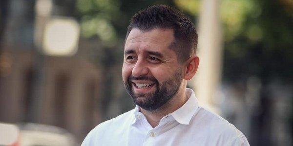 """Александр Гончаров: """"Коррупционер с горящими глазами или законодатель-лузер?"""""""