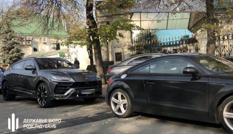 В Киеве арестовали элитный автопарк экс-нардепа Максима Микитася