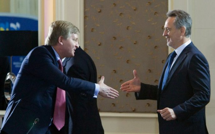 "Ахметов заплатил Фирташу более $700 млн по делу ""Укртелекома"""