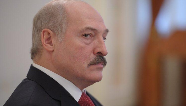 Зачем Коболева хотят оградить от Лукашенко