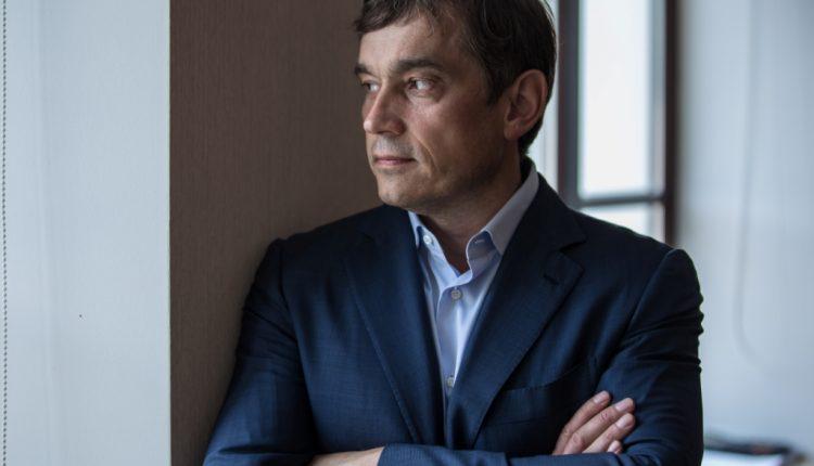 Василий Хмельницкий пристраивается к Арсену Авакову