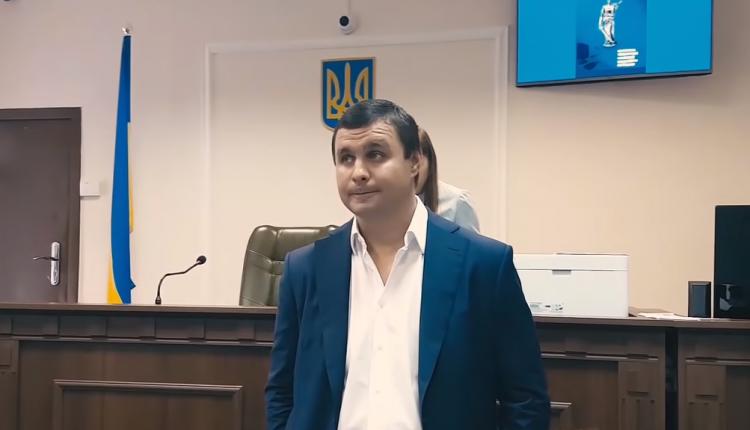 Суд продлил экс-нардепу Максиму Микитасю срок действия меры пресечения