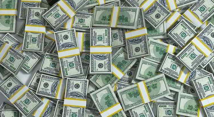 """Алексей Кущ: """"У нас богатеют все, кто угодно: кредиторы, топ-менеджеры, но не простые люди"""""""