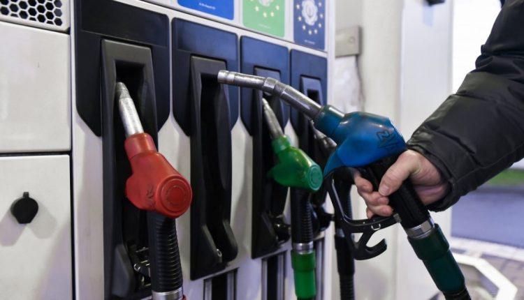 Антимонопольный комитет ожидает снижения цен на бензин на АЗС