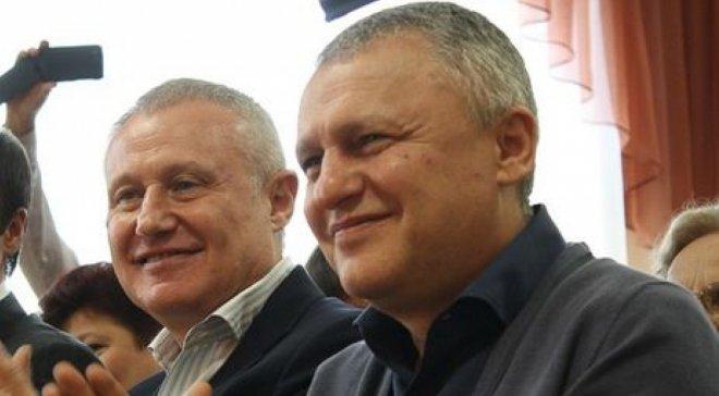 """Печерский райсуд обязал """"Приватбанк"""" выплатить более $200 млн оффшорам Суркисов"""