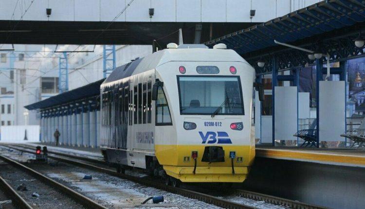 Пассажиры вернули 303 тысячи билетов на поезда из-за карантина