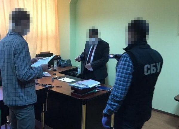 """СБУ подозревает экс-руководство Налоговой в """"крышевании"""" конвертцентров"""