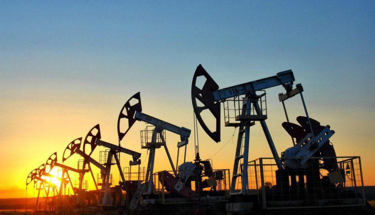 Цены на нефть растут на фоне восстановления спроса