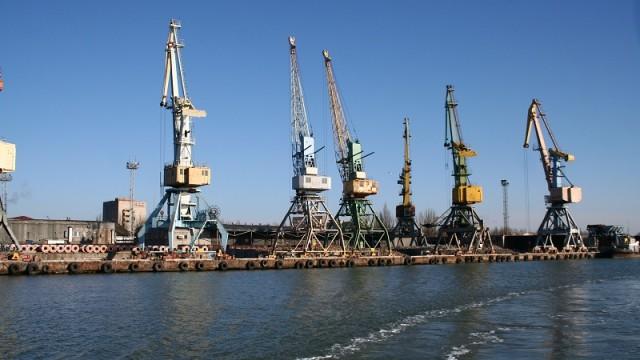 Зеленский заявил о планах по передаче в концессию портов Бердянск и Черноморск