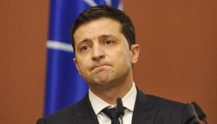 Зеленский предлагает прекратить полномочия всех судей КС