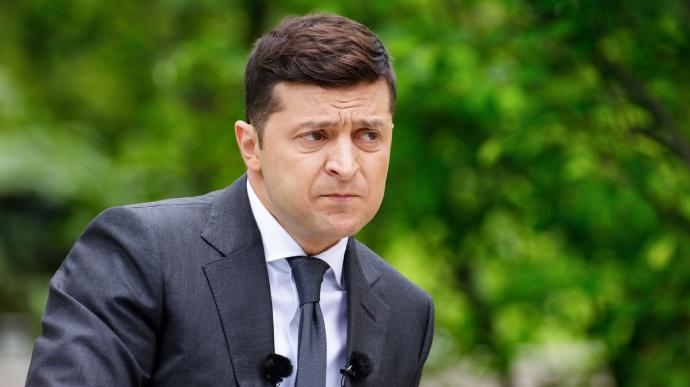 Зеленский заявил, что на судей КС влияют финансовые группы