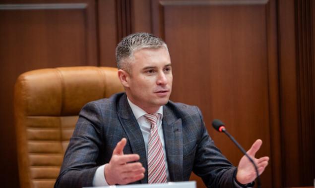 Глава НАПК Новиков в декабре заработал почти 487 тысяч