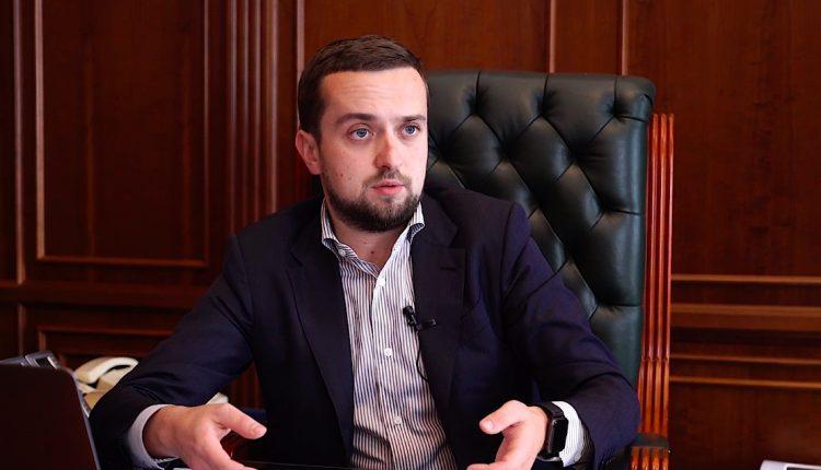 Замглавы Офиса президента рассказал, где взял деньги на дом за $200 тысяч