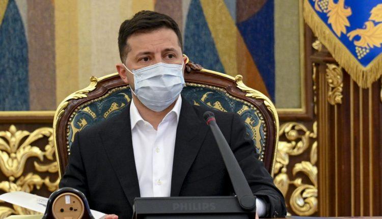 Зеленский хочет разработать законопроект об олигархах