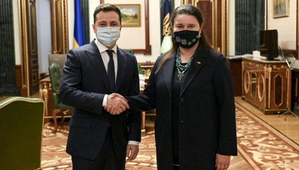 Новый посол Украины в США Маркарова отправилась в Вашингтон