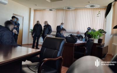 """Стали известны подробности обысков в """"Кузне на Рыбальском"""" и """"Богдан Моторс"""""""