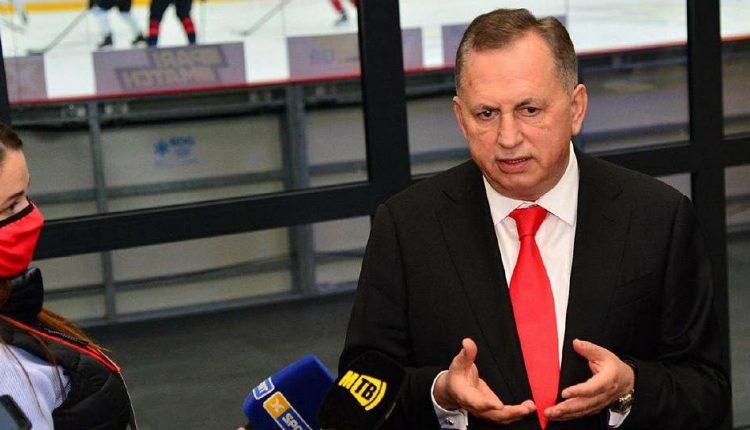 Борис Колесников перестал встречаться с Новинским