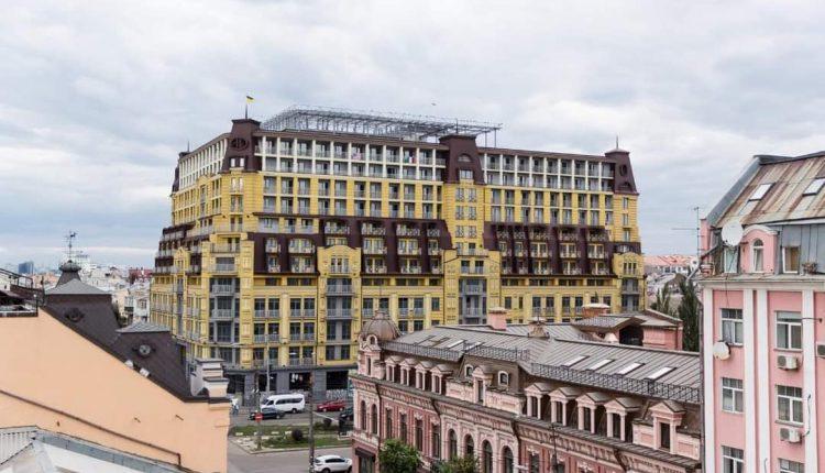 Суд разрешил ввести в эксплуатацию скандальный дом-монстр на Подоле