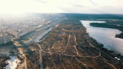 """Фонд гарантирования выставил на продажу за 370 млн землю """"Родовид Банка"""" на Оболони"""
