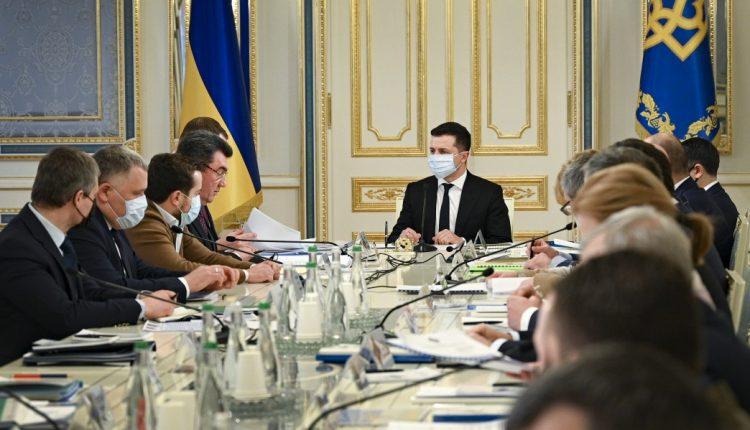СНБО ввел санкции против ста украинцев из списка Минфина США