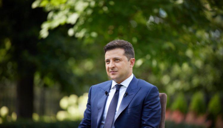Зеленский анонсировал отставки в Кабмине