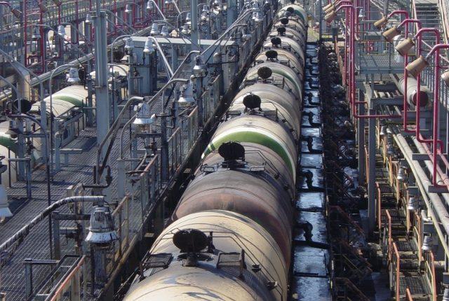 """""""Торум"""" и """"Альянс Энерго Трейд"""" поставят УЗ 15 тысяч тонн дизтоплива"""
