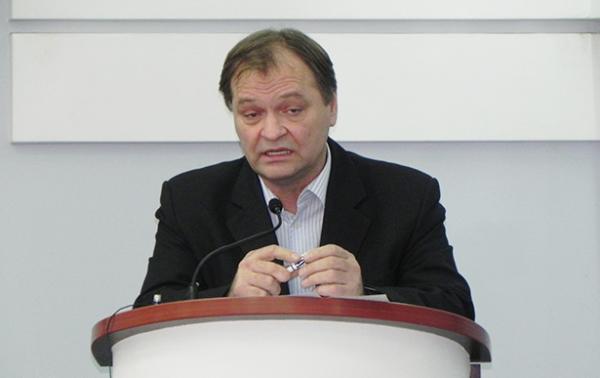 «Азмол» уехал в Таллинн