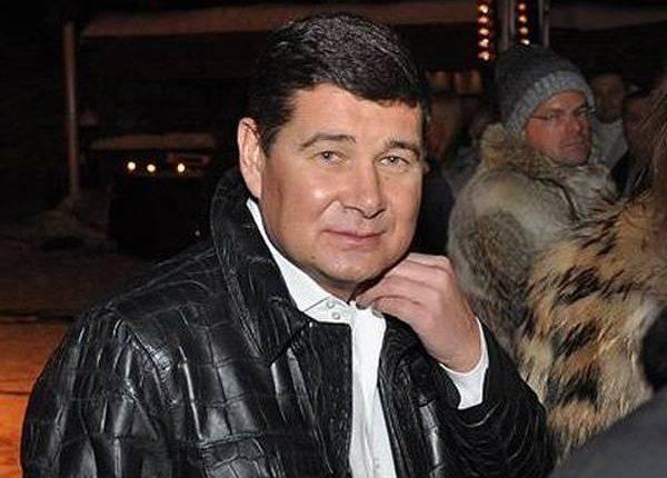 Детективы НАБУ изъяли $600 тысяч доверенного лица беглого Онищенко